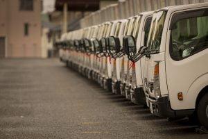 Pengiriman barang melalui darat atau truk